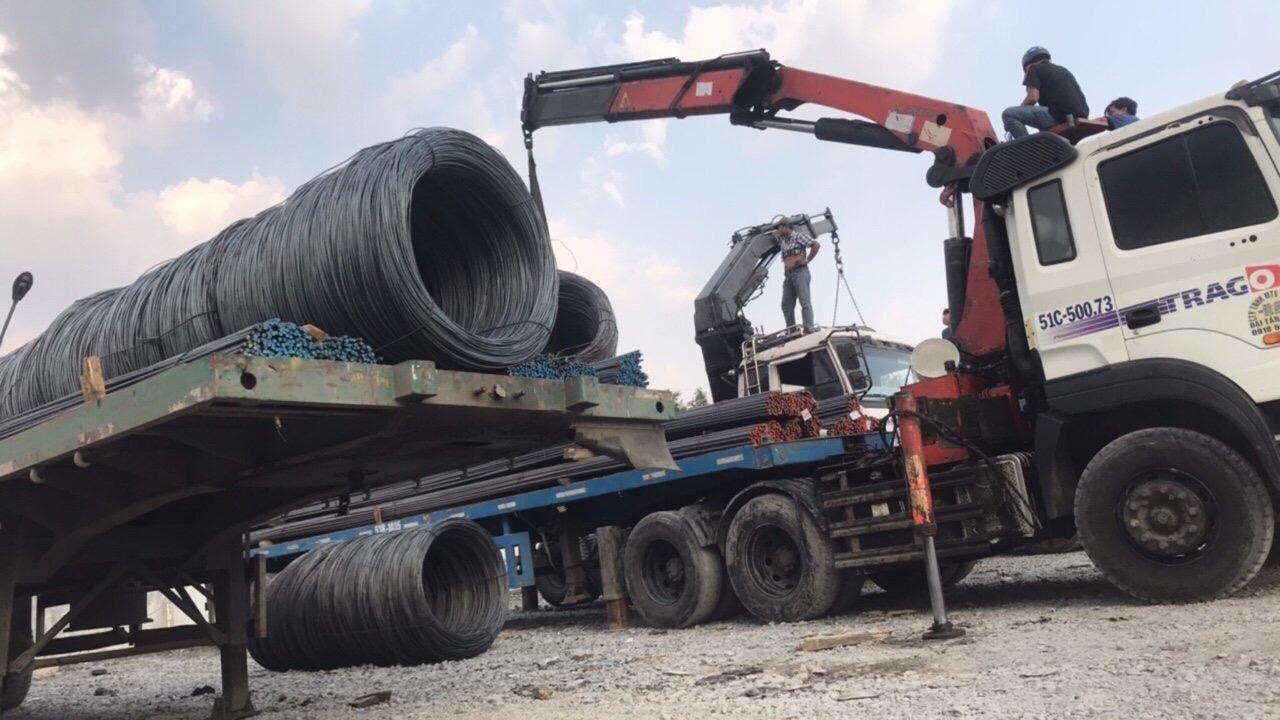 Vận chuyển 30 tấn sắt cuộn cho công trình thủy điện
