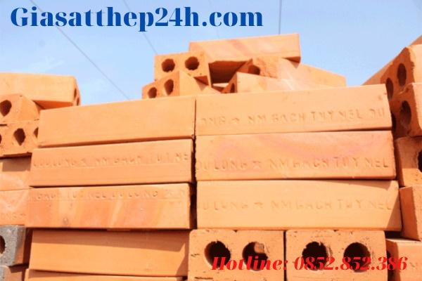 Giá gạch chỉ 6 5x10 5x22 hai lỗ loại 60 x 90 x 210 (+-5) mác 75# loại A