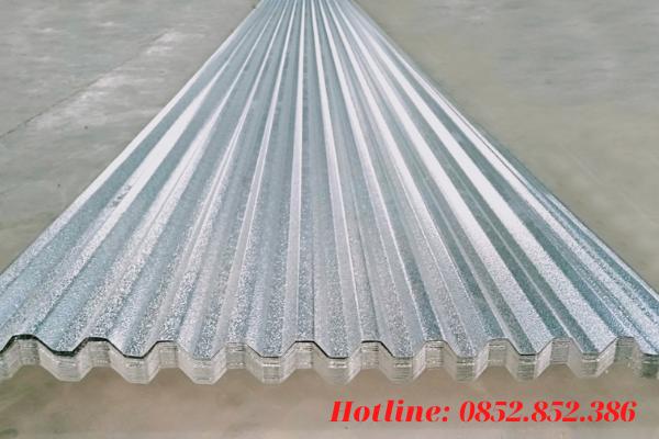 Điểm ưu việt vượt trội của loại tôn này là sở hữu khả năng chống ồn và chống nhiệt
